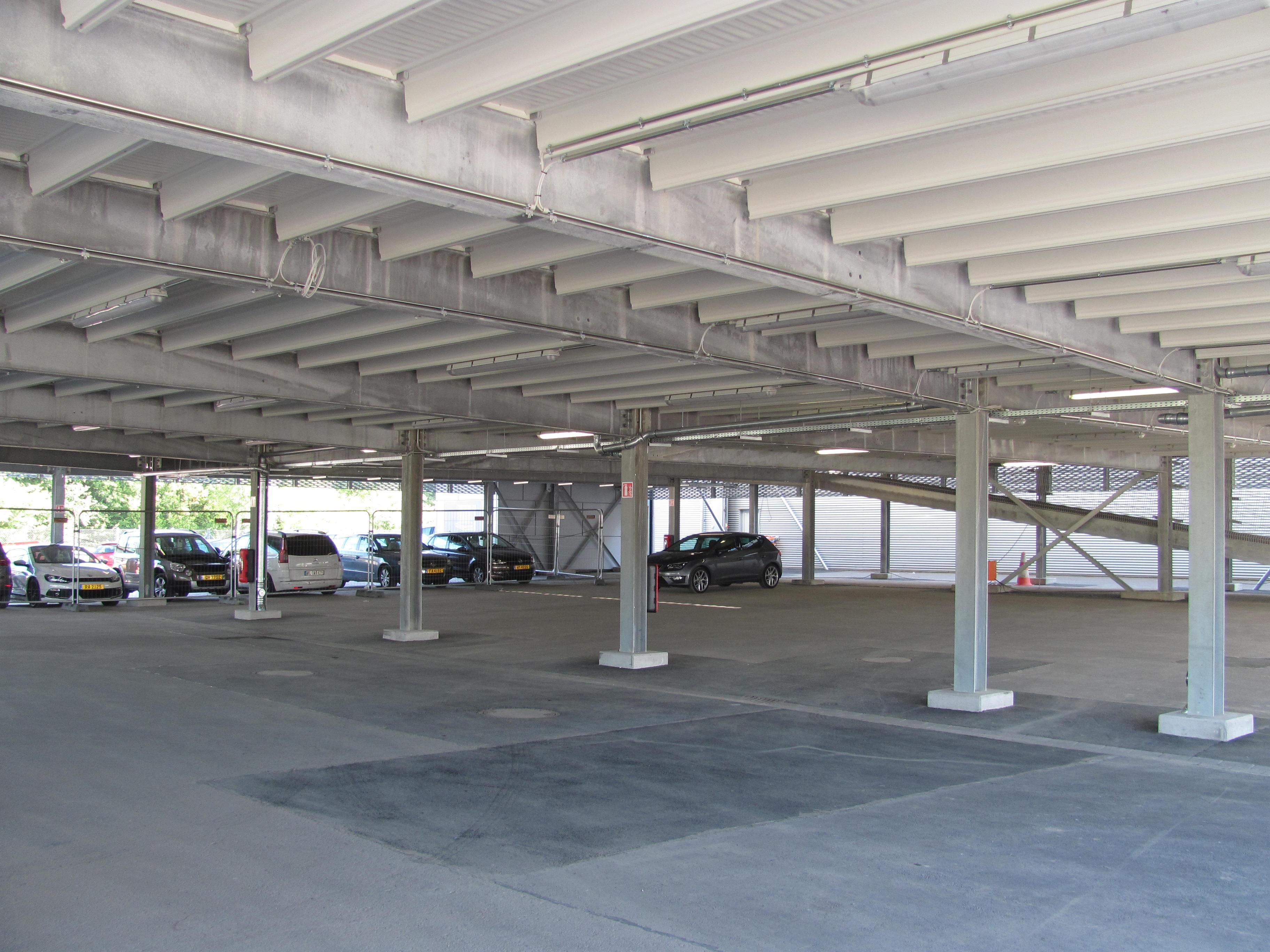 Пятиуровневый паркинг